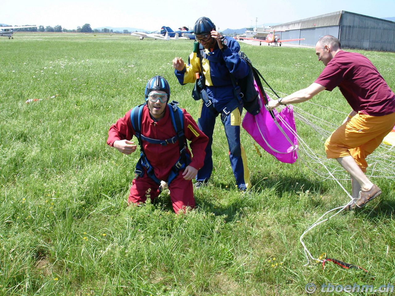 skydive_grenchen_16_07_2006_28_20121125_1597410415