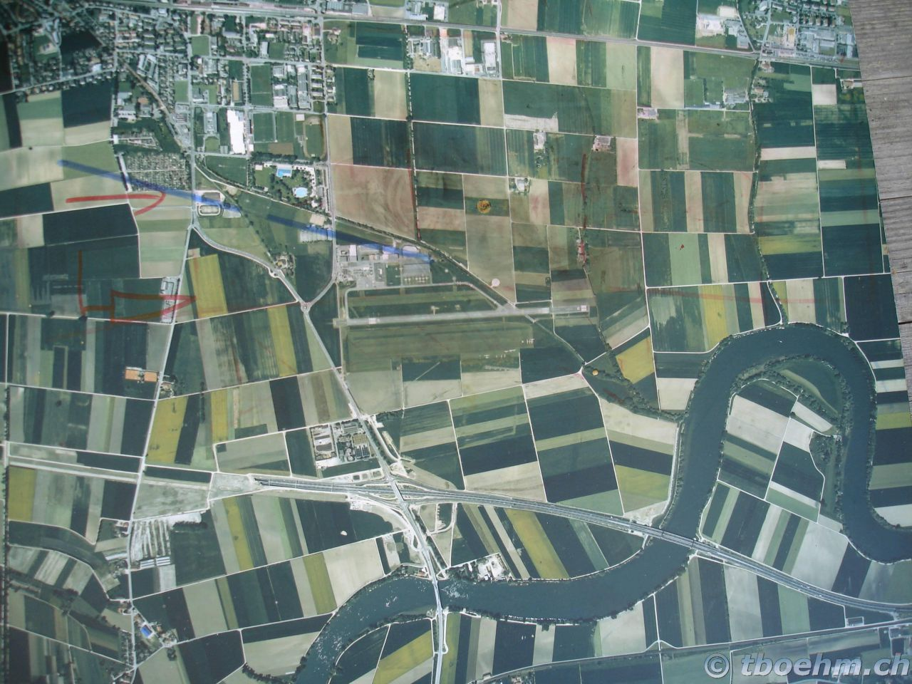 skydive_grenchen_16_07_2006_35_20121125_1583011447